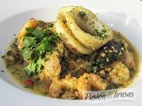 Paella de quinoa y mariscos