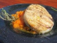 Surubí, puré de zanahorias y miel